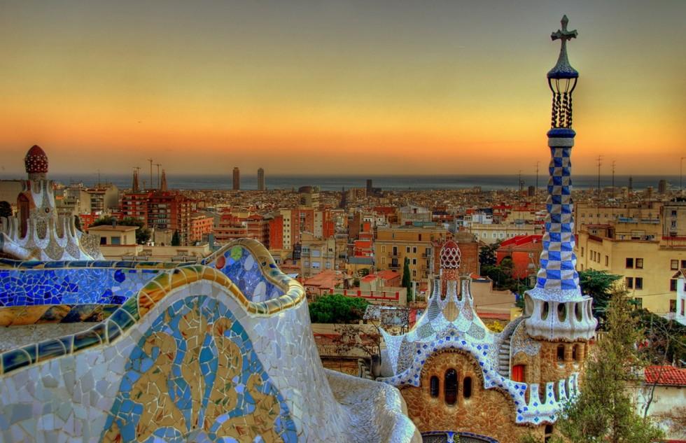 Park-Guell-Barcelona-Hostels
