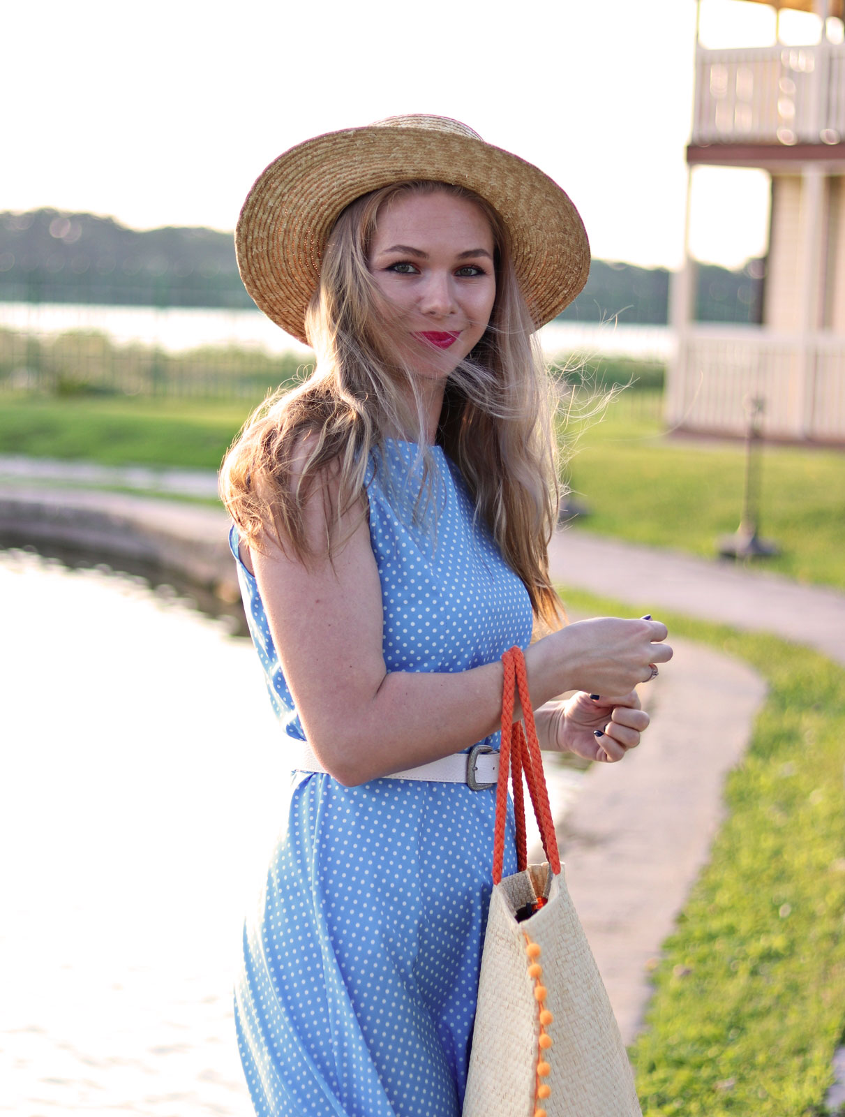 smile.blondie.fashion.blogger